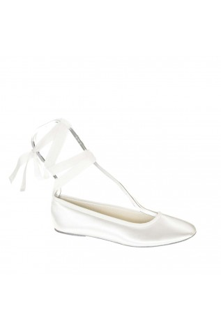 """""""Fawn"""" ballet shoe with Ribbon A casual pair of ballerinas with a ribbon for comfort and appearance."""