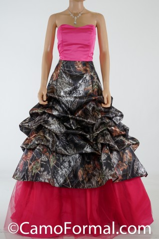 3066 with Fuchsia Bodice and Mossy Oak Overskirt