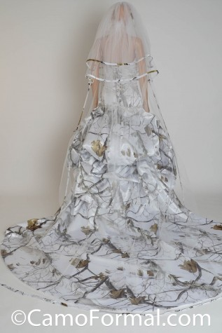 Cathedral Camo Trimmed Veil - Shown in Realtree AP SNOW - Dress 3140 purchased separately
