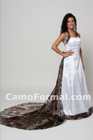 "Wedding style 3352 ""Annamarie"" with detachable train option"