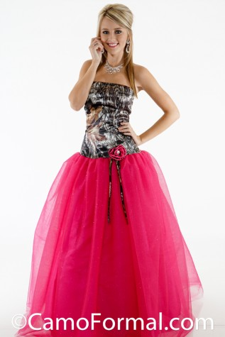 3658GN2R Glitter Net Ballgown shown in Mossy Oak and Fuchsia