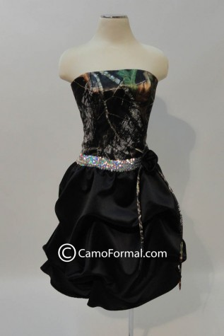 3983 in Mossy Oak, Black Satin, Silver Sequin Trim