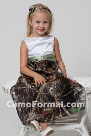 Flowergirl style with camo skirt (option)