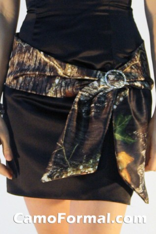 Hip Sash in Mossy Oak with Rhinestone Buckle