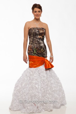 8070-R Textured Roses with Removable Mermaid Skirt