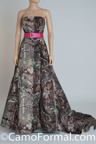 8897 in Realtree APG with Fuchsia Sash