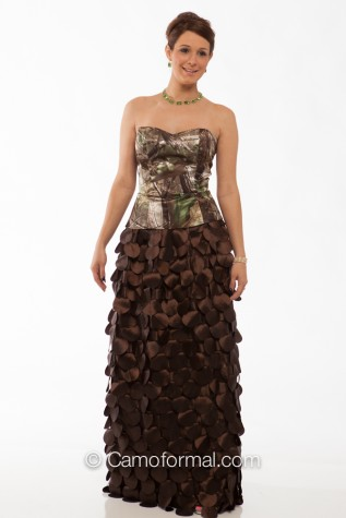 9059 top (can be different) and Taffeta Mocha Petal Skirt