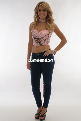 9062 Crop Top only shown in AP Pink Realtree