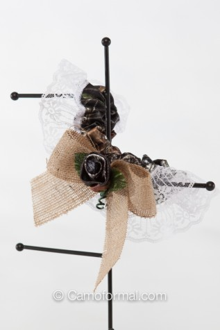 Mossy Oak Garter with Burlap Bow and Mossy Oak Rose