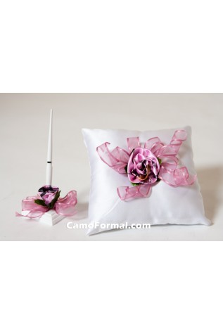 Roses and Ribbon, Set of 2, Pillow and Pen