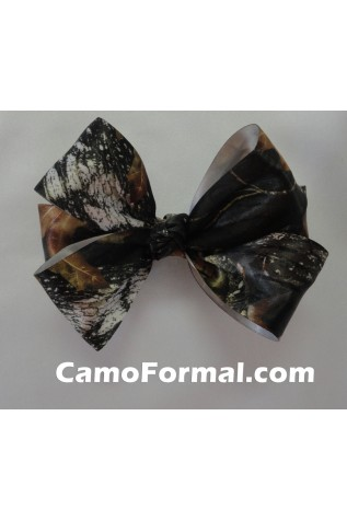 Bow with Barrette Back in Mossy Oak