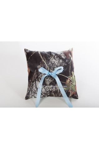 Mossy Oak with Blue Ribbon