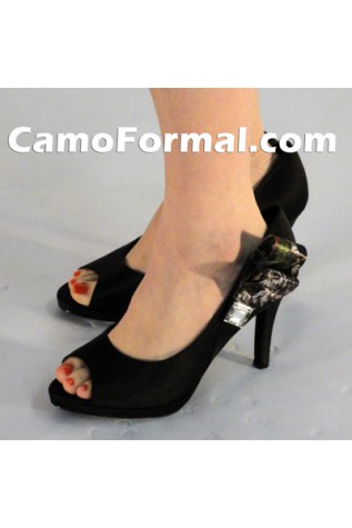 Averil in Black with camo side accents