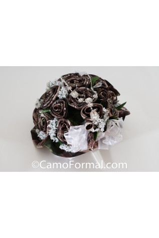 Camo Wedding Bouquet shown in Realtree APG