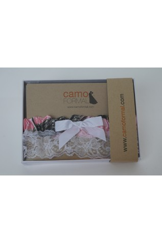 Boxed Pearl Garter - Realtree APPINK with White Ribbon