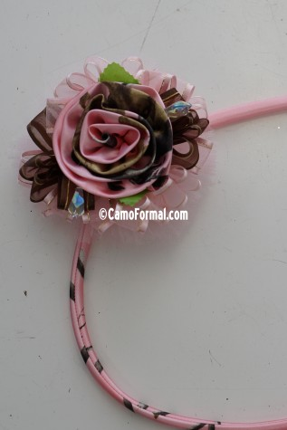One Rose Crystal and Tulle Tie On Wrist Corsage