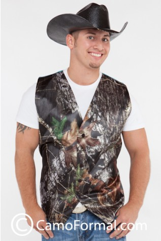 Men's Vest shown in Mossy Oak