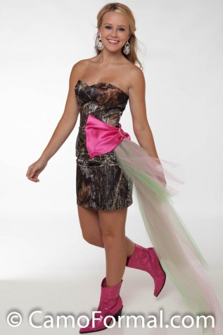 "8076 Mossy Oak and Fushia with Side-Sweep ""tulle"" Train"