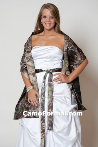 Shawl in Realtree APG. sashes available