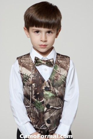 Boys Vest and Bow Tie in Realtree APG