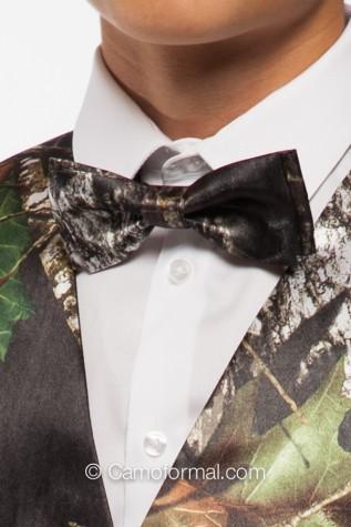 Pre-Tie Bow Tie in Mossy Oak