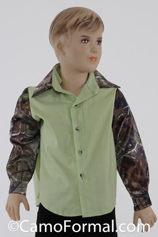 Boys Prairie Shirt shown in Honeydew and Realtree APG