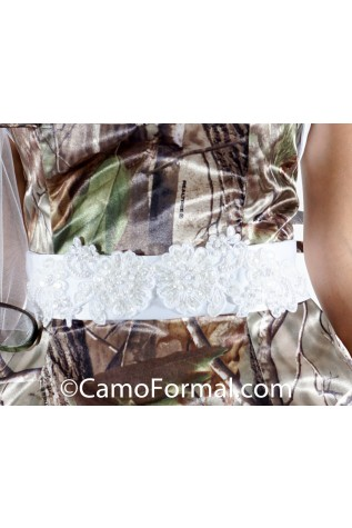 Closeup: Beaded Applique 2x90 Bow Tail Sash