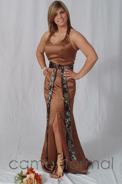 Mossy oak new breakup add to your dress accessories for Mossy oak camo wedding dress