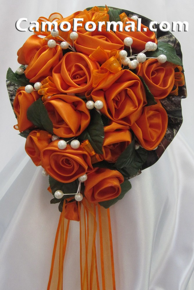 Camo floral bridal bouquet orange with mossy oak