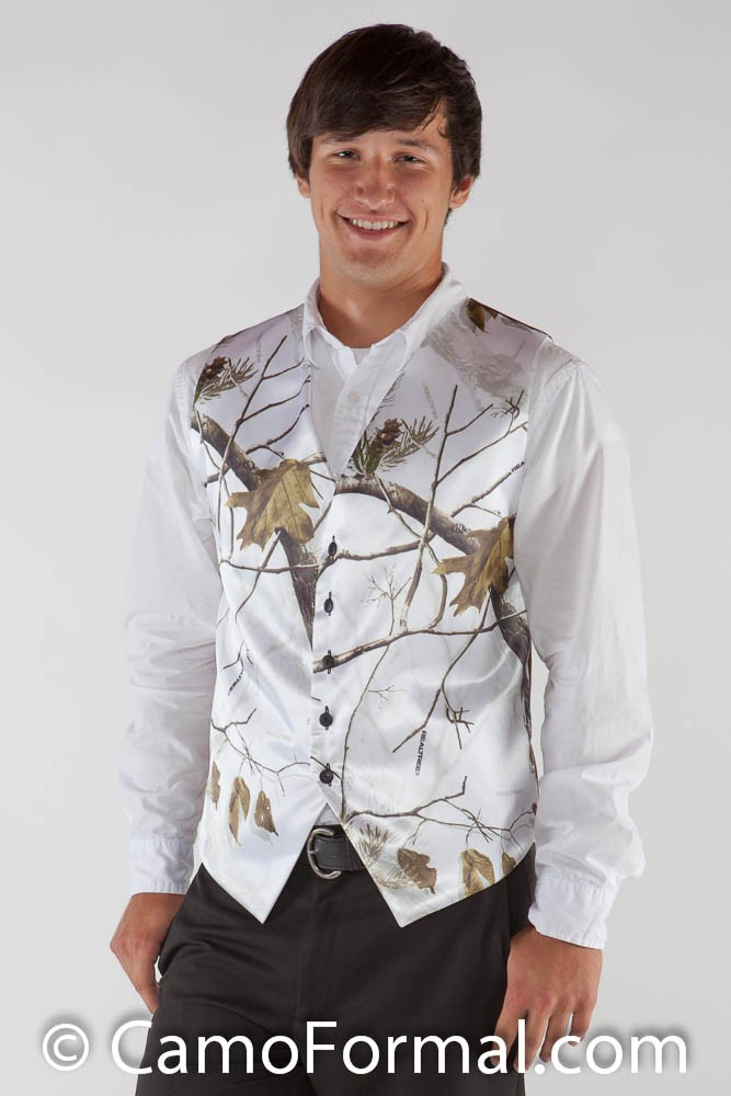 We have the best Camo Formal Wear. Our camo gowns are perfect for Homecoming, Prom and Weddings!