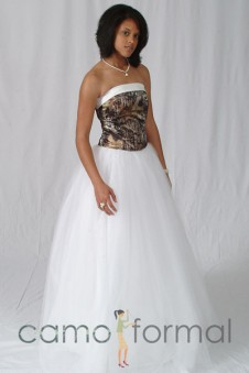 3040 Strapless Ball Gown