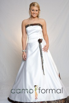 "* 3055 ""Natalie"" Camo Trimmed Bridal, no Train"