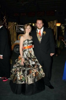 3066 Camo Ball Gown Pickup Skirt
