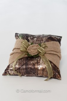 Camo Burlap Rag-Rose Ring Pillow