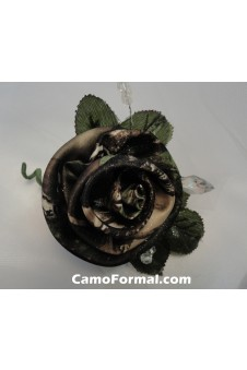 Boutonniere, Mens, shown in Realtree APG