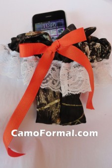Garter with Cell Phone Holder