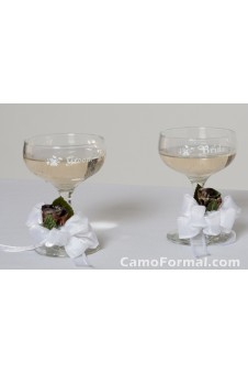 *  Champagne Toasting Glasses with Rosebuds