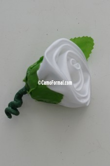Boutonniere in Satin Colors