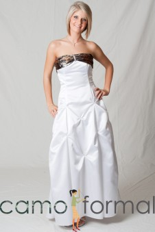 3043 Rouched Bodice, Pickup Skirt