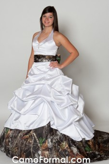 "* 3070 ""Sue Ellen"" Pickup Halter Bridal Train"