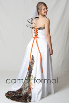 * 3899 A-Line Bridal Gown with Train