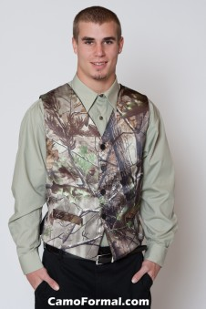 *Men's Vest  Realtree APG
